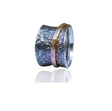 Floral ring with personalised Gold Spinner