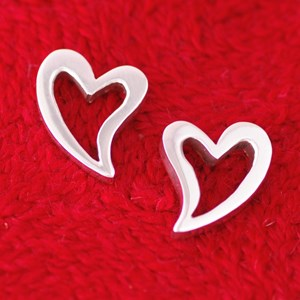 curvy heart earrings