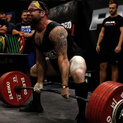Powerlifters International Squat Day-warming up