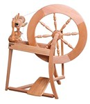 Traditional Spinning Wheel - Natural Single Drive