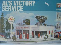 Walthers Cornerstone HO/Scale Kit  Al's Victory Service Station/Garage Worshop