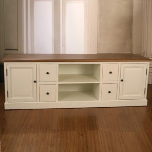 Entertainment Unit 'Brittany'