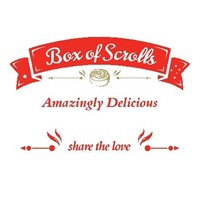 16 SMALL - VARIETY SCROLLS BOX (4 Nutella Banana, 4 Cookies & Cream, 4 Apple Cinnamon, 4 Red Velvet)