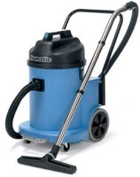 NUMATIC WVD900 30 LITRE WET AND DRY COMMERCIAL VACUUM CLEANER MADE IN ENGLAND WITH 2 MOTORS (2400WATT TOTAL)  80 L/SECOND AIRFLOW, WITH TIPPER SYSTEM SUPER-TOUGH  STRUCTOFOAM. 2 YEAR WARRANTY