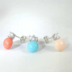 NEW!  La Dolce Vita earrings in turquoise or coral