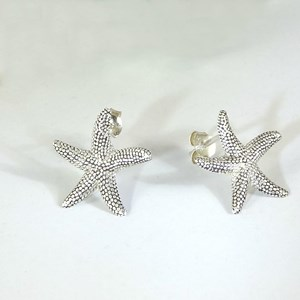 NEW - The Amazing Silver Starfish Stud