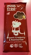 Moo Free Organic Cranberry and Hazelnuts - 100g