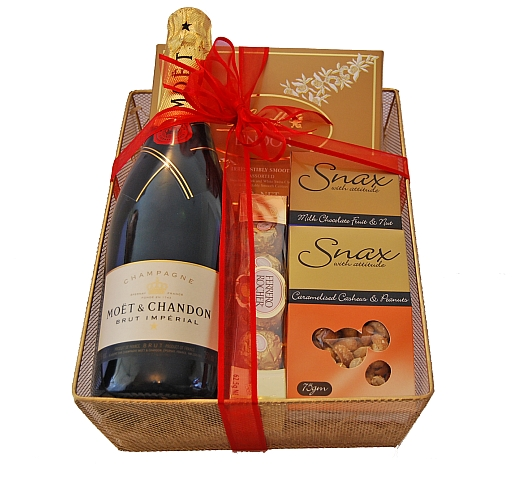 Corporate Baby Gifts Australia : Moet and chandon chocolate nuts gift hampers