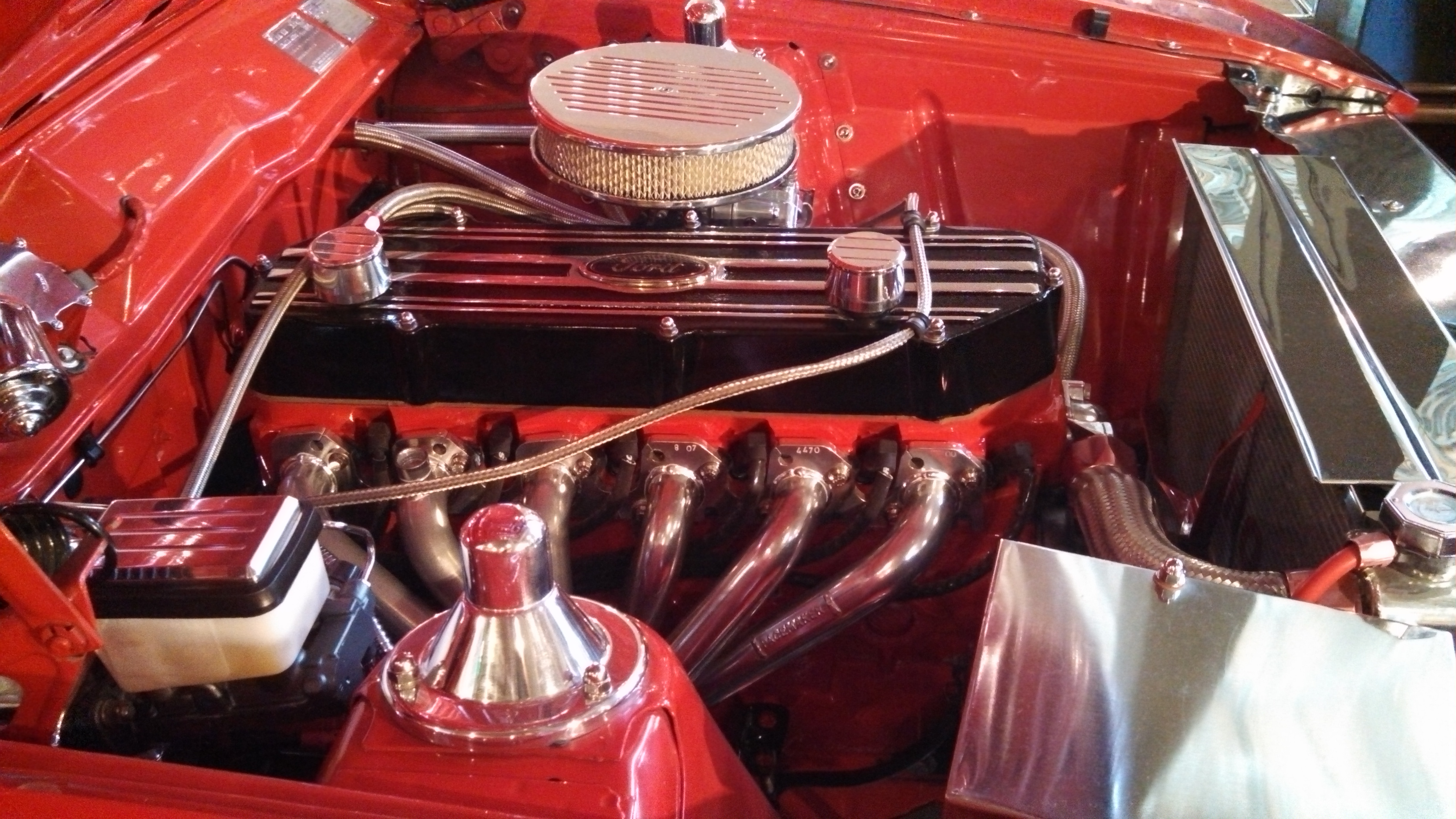 Engine bay of the wild XC panel van with AussieSpeed finned rocker cover