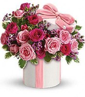 Teleflora's Hats Off to Mom Bouquet