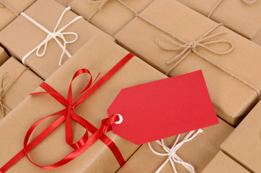 Creative Ideas for Christmas Gift Wrap - Infographic